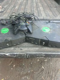 black Xbox 360 console with controller Bloomington, 92316