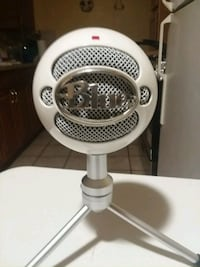 Blue Snowball Mic [Comes with USB wire] Woodbridge, 22191