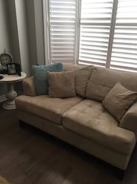 Cindy Crawford Home Couch and LoveSeat  Oshawa, L1K