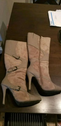 pair of brown  taupe leather knee-high boots Spruce Grove, T7X