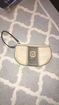 Guess pocket purse, never used  Amarillo, 79124