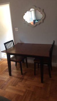 6 chair Dining Room Table with removable leaf Arlington, 22209