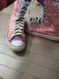 pair of pink and white sketchers Edmonton, T5T