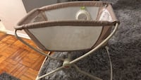 Baby bassinet / closes flat for storage  Toronto, M3L 1A9