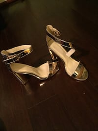 GOLD SHINY HEELS SIZE 6 Summerville