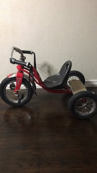 toddler's pink and black trike Oklahoma City, 73119