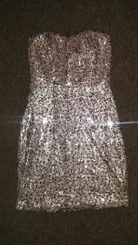 Bnwt sz small beautiful mini dress $10 Winnipeg, R3T 4G9