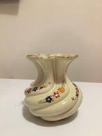 White ceramic with floral painted vase Belleville, K8P