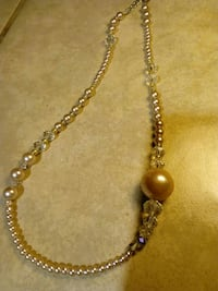30% ofClassic champagne and Crystal Pearl necklace