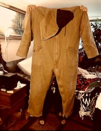HEAVY DUTY INSULATED COVERALL  excellent condition  100$