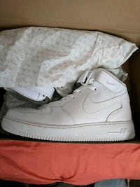 Nike air force 1 size 10 worn twice  Vernon, V1T 3X5