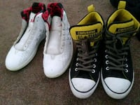 two pairs of white and black Converse All Star sne Wyoming, 49519