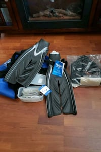 Snorkeling/ SCUBA Fins and Goggles