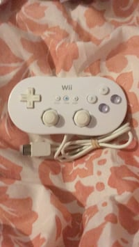 RVL 005 wired Nintendo Wii controller Vancouver, V5R 4R2