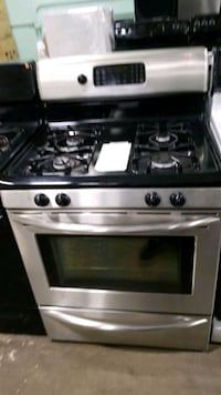 Frigidaire natural gas Stove 30inches