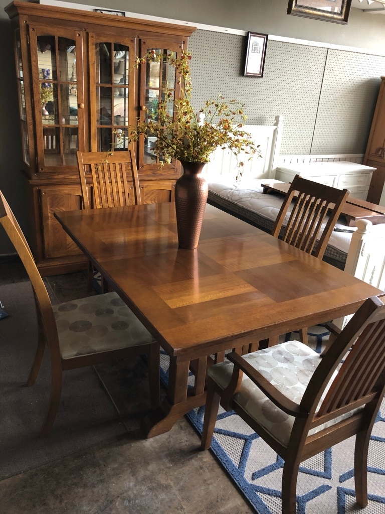 used beautiful solid wood table and matching hutch cabinet for sale rh us letgo com