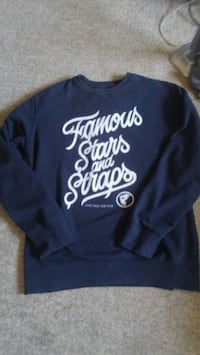 Famous stars and straps long sleeve St. Catharines, L2T 4B8