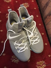 pair of gray Nike running shoes Hackensack, 07601