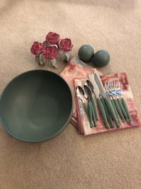 Bowl/ napkins/ rings/ silverware/ wall pictures. Canton, 48187