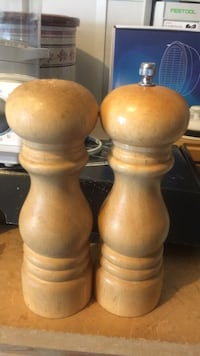 Wooden salt and pepper mills Victoria, V8T 2C2