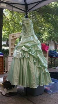 Prom dress size 2-4 Grain Valley, 64029