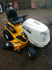 yellow and white Cub Cadet ride on lawn mower Richmond Hill, 31324