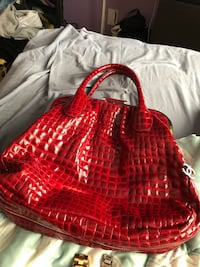 Red and black leather tote bag Coquitlam, V3K 5B7