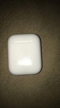 Brand new apple air pods used ~10 times Port Coquitlam, V3B 8B9