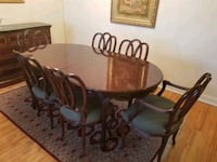 Dining table and chairs Montreal