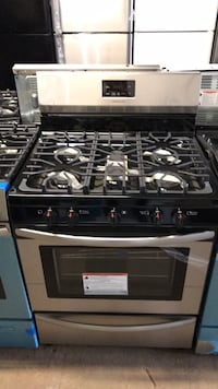 "Brand New Frigidaire 30"" gas stove 5 burners scratch and dent 6 months Baltimore, 21223"