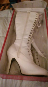 pair of white leather lace-up boots Panama City, 32401
