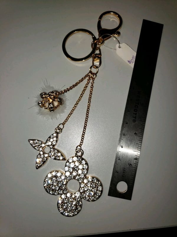 "7"" Goldtone Fur/Rhinestone Fashion Keychain  2"