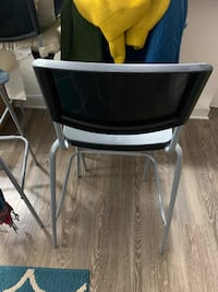 4 Kitchen Stools in Excellent Shape COLLEGEPARK