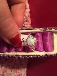 Silver-colored ring with clear gemstones Cambridge, N1R 3T8
