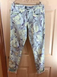 Low-Rise Printed Denim: Size 2 Oshawa, L1G 2J2