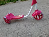 Pembe scooter