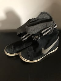 Black suede Nike boots for sale $25 Toronto, M1E 4B9