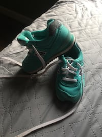 Pair of green nike running shoes Byron, 31008