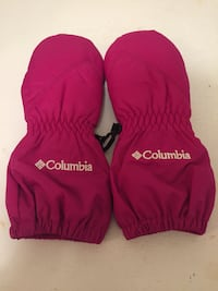 Kids Columbia  gloves  size O/S gently used Toronto