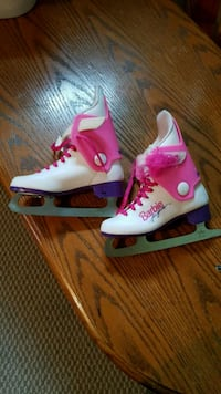 Pair of white-and-pink figure skates sz13 Bowmanville, L1C 0B9