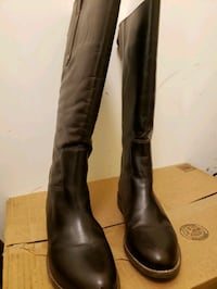 Brown leather riding boots, size 7.5W Woodbridge, 22191
