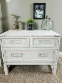 Vintage Accent Table Middletown, 45044