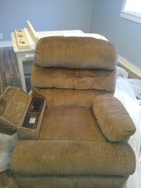 Recliner with phone and radio Henrico, 23294