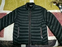 black zip-up bubble jacket Brampton, L6P 1M9