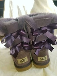 Ugg Bailey Bow Boot Size 5 Woman's 24 km