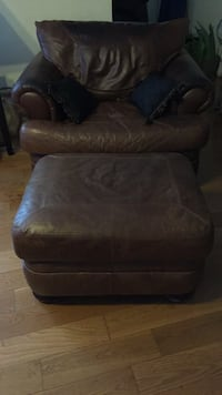 Brown leather sofa chair with ottoman Upper Marlboro, 20772