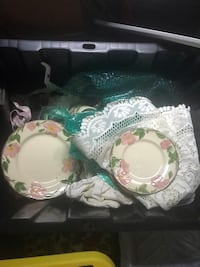 White and green ceramic plate