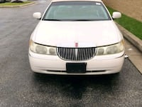 Lincoln - Town Car - 2001 Temple Hills, 20748