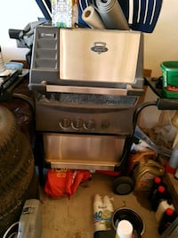 Gas grill need gone soon doesn't work! Edmonton, T6W 3C5