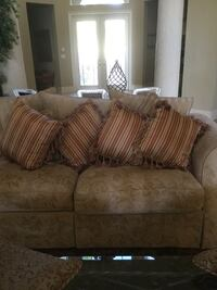 Four custom made pillows Palm Beach Gardens, 33418